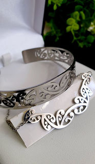 Kowhaiwhai Silver Skinny cuff & Necklace 55mm