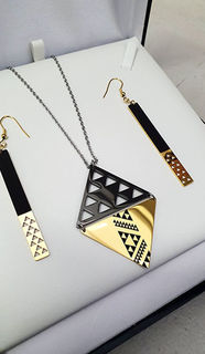 Niho Taniwha Black & Gold Daimond 60mm Pendant 60mm rectangle earrings