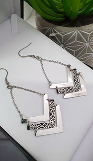 Silver & Black Chevron Kowhaiwhai Earrings 35mm (Chain length 30mm)