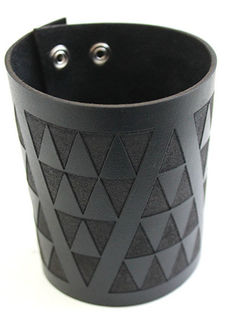 NZ Leather Niho taniwha Black XL Tapered Cuff Lge (Bottom 250mm  x 100mm),   (Top 265mm  x 100mm)