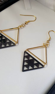 Black & Gold Niho taniwha daimond 35mm earrings
