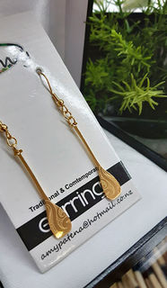 Gold Ta moko Waka Paddle earring 35mm