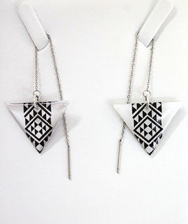 Black & White Resin Taniko  Triangles with 100mm Stainless steel threads