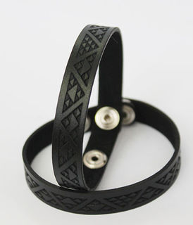NZ Leather Niho taniwha Black cuff skinny 230mm  x 12mm
