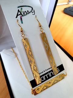 Niho taniwha Gold bar chain 45mm  Rectangle earrings 55mm