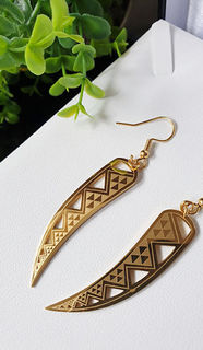 Niho taniwha niho Gold earring 50mm