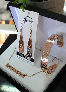 Bar chain Rose gold stainless steel 3 piece set . teardrop earrings 40mm, Cuff (Skinny) Bar chain