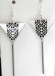Black N White Resin Taniko  Triangles with 100mm Stainless steel threads