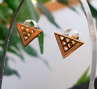 Rose Gold Stainless Steel niho studs cutout