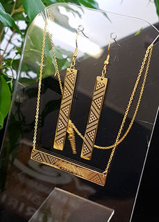 Gold Taniko Bar Pendant (horizontal) 55mm on stainless steel chain with 45mm rectangle earrings