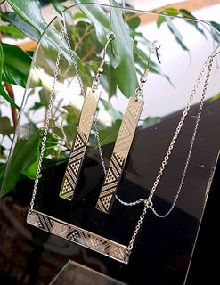 Silver Taniko Bar Pendant (horizontal) 55mm on stainless steel chain with 55mm Taniko rectangle earrings
