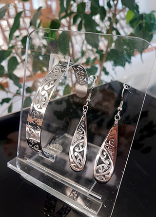 Silver Kowhaiwhai Cuff (skinny) & teardrop earrings 55mm set