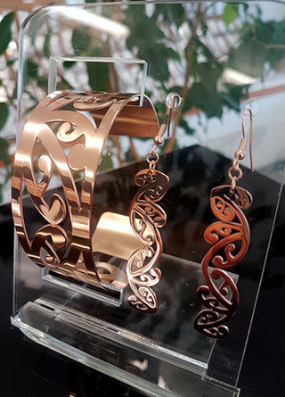 Rose Gold Kowhaiwhai Cuff (Large) & 55mm  earring set