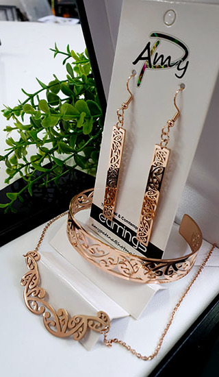 Kowhaiwhai Rose Gold 3 Pce set Rectangle earrings, Bracelet, & Necklace