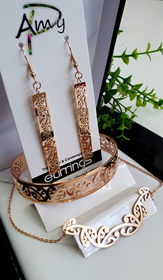 Kowhaiwhai Rose Gold3 Pce set cutout rectangle earrings 50mm , skinny Bracelet, & Necklace 55mm