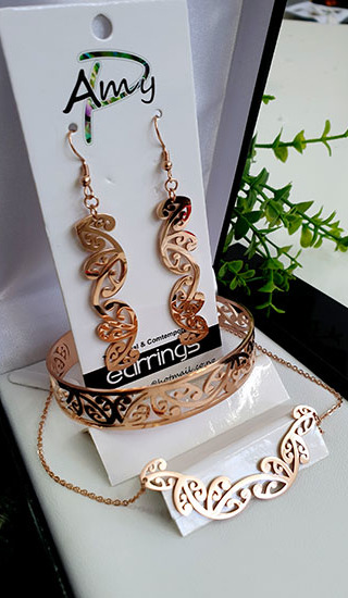 Kowhaiwhai Rose Gold 3 Pce set cutout earrings 55mm, Bracelet, & Necklace 55mm