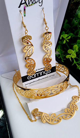 Kowhaiwhai Gold 3 Pce set cutout earrings 55mm , skinny Bracelet, & Necklace 55mm