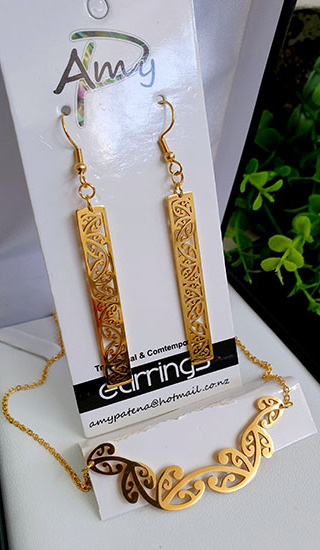 Kowhaiwhai  Gold 2 Pce set cutout rectangle  earrings 55mm, necklace 55mm,