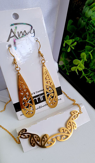Kowhaiwhai  Gold 2 Pce set cutout teardrop earrings 55mm, necklace 55mm,