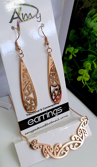 Kowhaiwhai Rose Golds 2 Pce set cutout teardrop earrings 45mm, necklace 55mm,