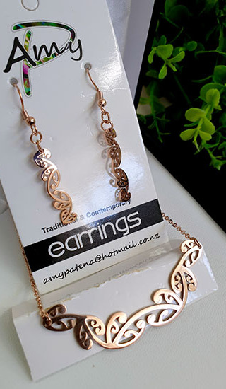 Kowhaiwhai Rose Golds 2 Pce set cutout earrings 25mm, necklace 55mm,