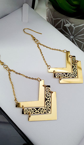 Gold & Black Chevron Kowhaiwhai Earrings 35mm (Chain length 30mm)