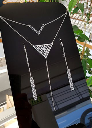 Taniko Pendant Stainless Steel double chain & earring set 1