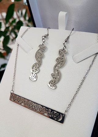 Silver Kowhaiwhai Bar Chain Necklace & teardrop earring set