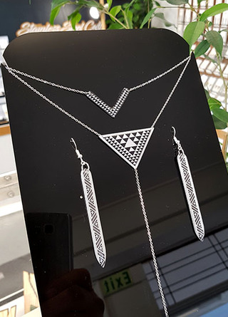 Taniko Pendant Stainless Steel double chain & earring set 16
