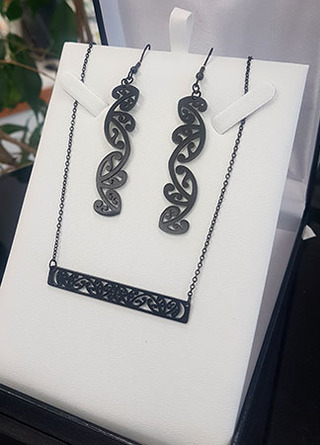 Black Kowhaiwhai Bar Chain Necklace & 55mm earring set