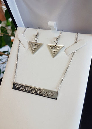 Niho Taniwha Bar Chain and earring set (Silver Stainless Steel)