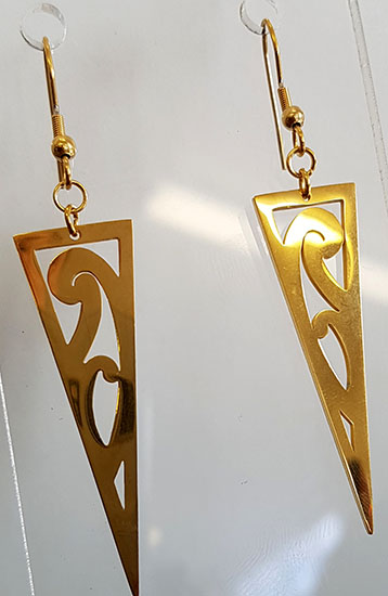 Puhoro triangle 40mm Gold stainless steel earrings