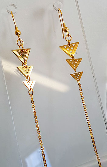 Niho taniwha Triple Drop triangles gold stainless steel  with 60mm chain tassel