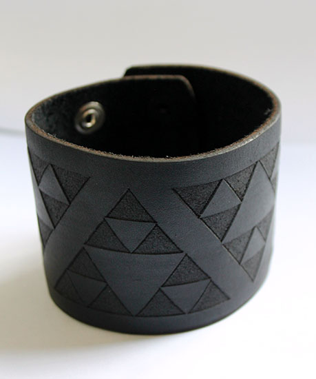 NZ Leather Niho taniwha Black Cuff Jumbo 250mm  x 60mm