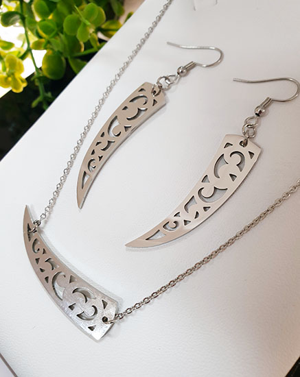 Silver stainless Steel  Niho Earring and pendant set