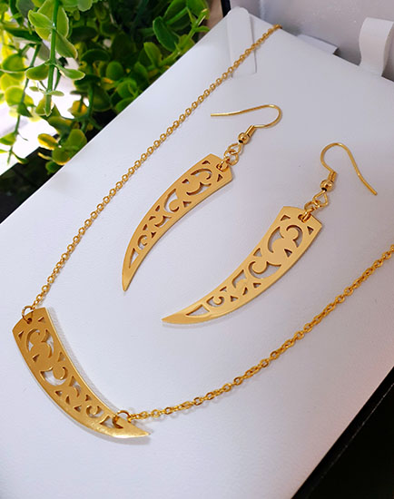 Gold stainless Steel  Niho Earring and pendant set