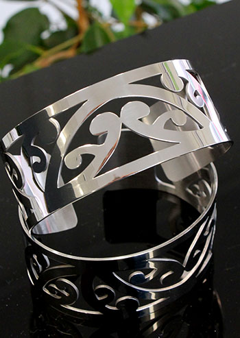 Silver Cuff Kowhaiwhai (Cutout) with border 180 x 30mm wide